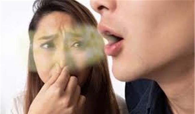 بوی بد دهان را چگونه از بین ببریم؟ /  20 روش برای درمان همیشگی