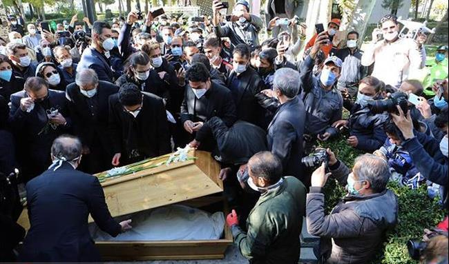 گزارش تصویری از لحظه وداع خانواده استاد شجریان و مردم با خسرو آواز ایران