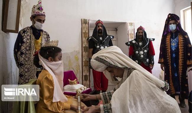 زینب 7 ساله ملکه قلعه باستانی شوش شد! / برآورده شدن یک آرزو+ عکس
