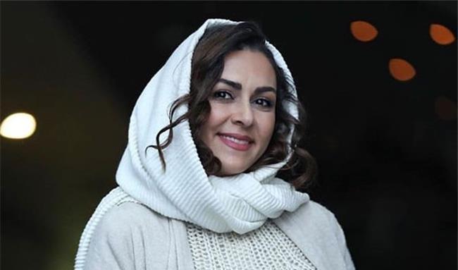شیوا ابراهیمی بازیگر نقش ماه گل در سریال «کلبه ای در مه»
